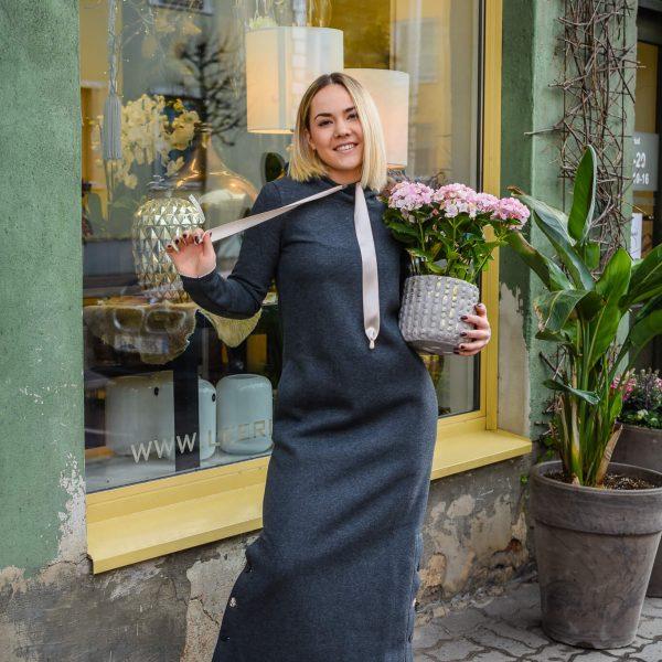 pikk-dresskleit-tumehall-eesti-disain