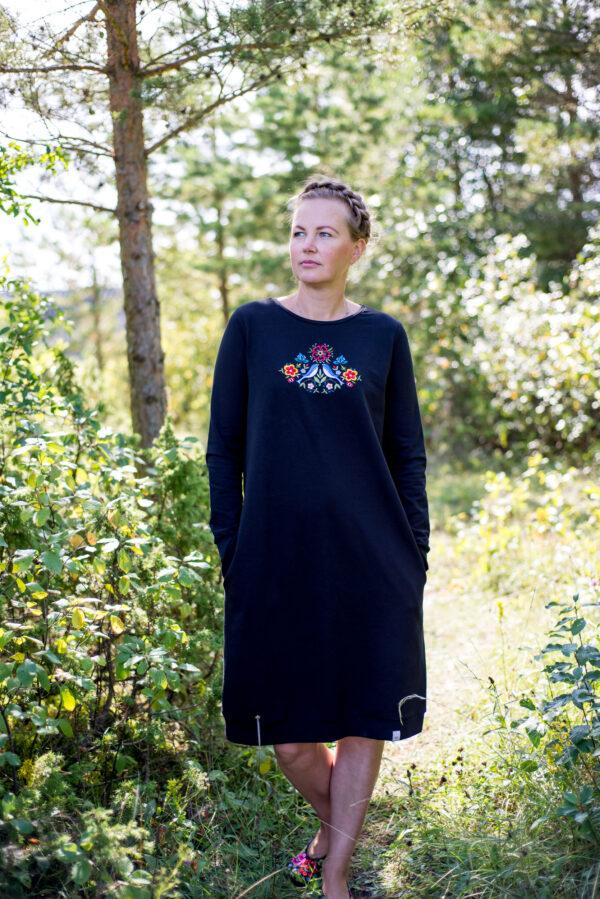 Muru-craft-trikotaazist-dresskleit-must-1