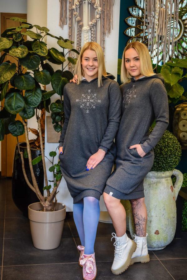 hallid-dresskleidid-kapuutsiga